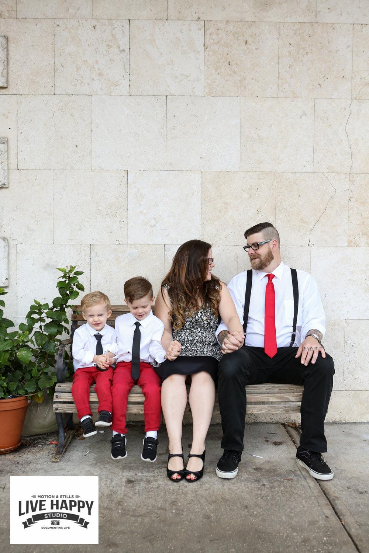 best-orlando-family-photographer-engagement-www.livehappystudio.com-1.jpg