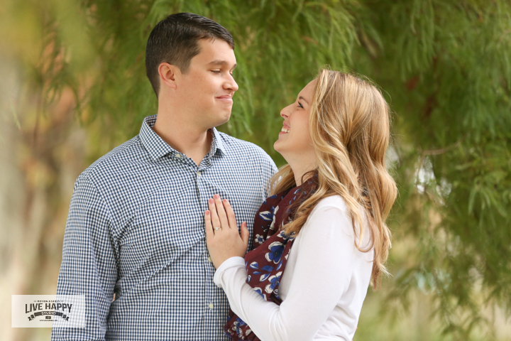 engagement-photography-best-orlando-wedding-photographer-www.livehappystudio.com-4.jpg