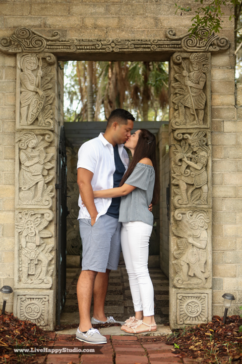 orlando-engagement-photography-maitland-art-center-www.livehappystudio.com-best-1.jpg