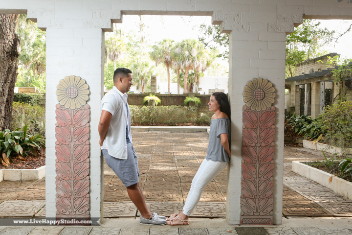 orlando-engagement-photography-maitland-art-center-www.livehappystudio.com-best-16.jpg