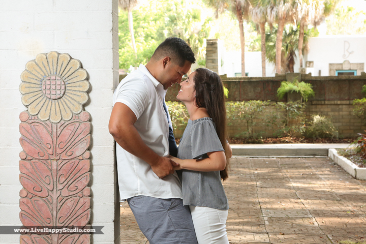 orlando-engagement-photography-maitland-art-center-www.livehappystudio.com-best-17.jpg
