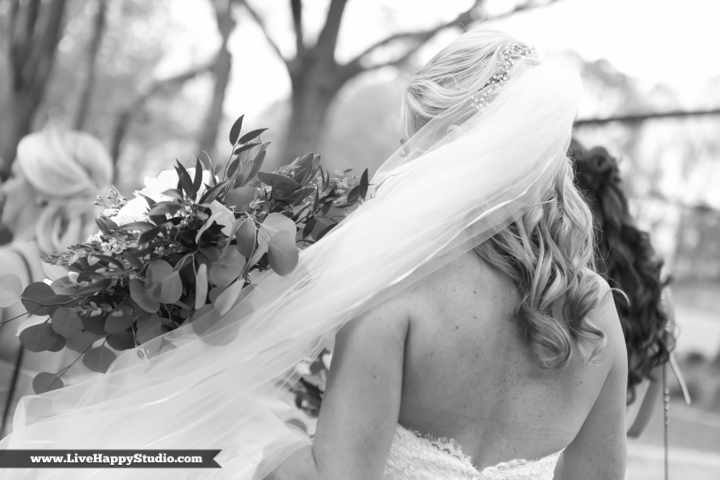 www,livehappystudio.com-orlando-wedding-photography-st-margaret-mary-catholic-church-3.jpg