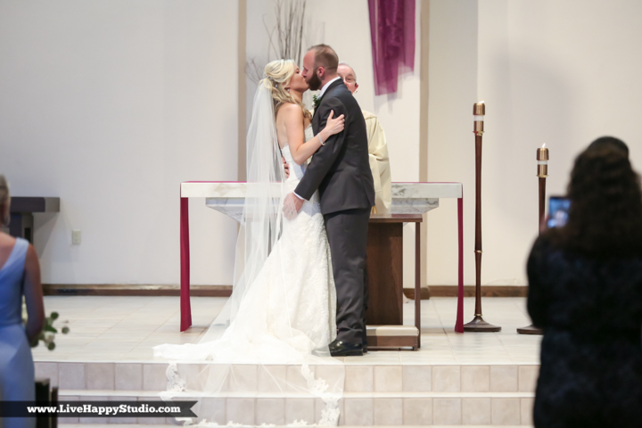 www,livehappystudio.com-orlando-wedding-photography-st-margaret-mary-catholic-church-15.jpg