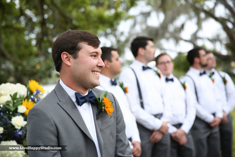 orlando-science-center-wedding-photography-outside-lake-front-ceremony-14.jpg