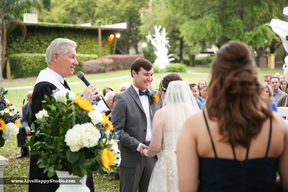 orlando-science-center-wedding-photography-outside-lake-front-ceremony-15.jpg