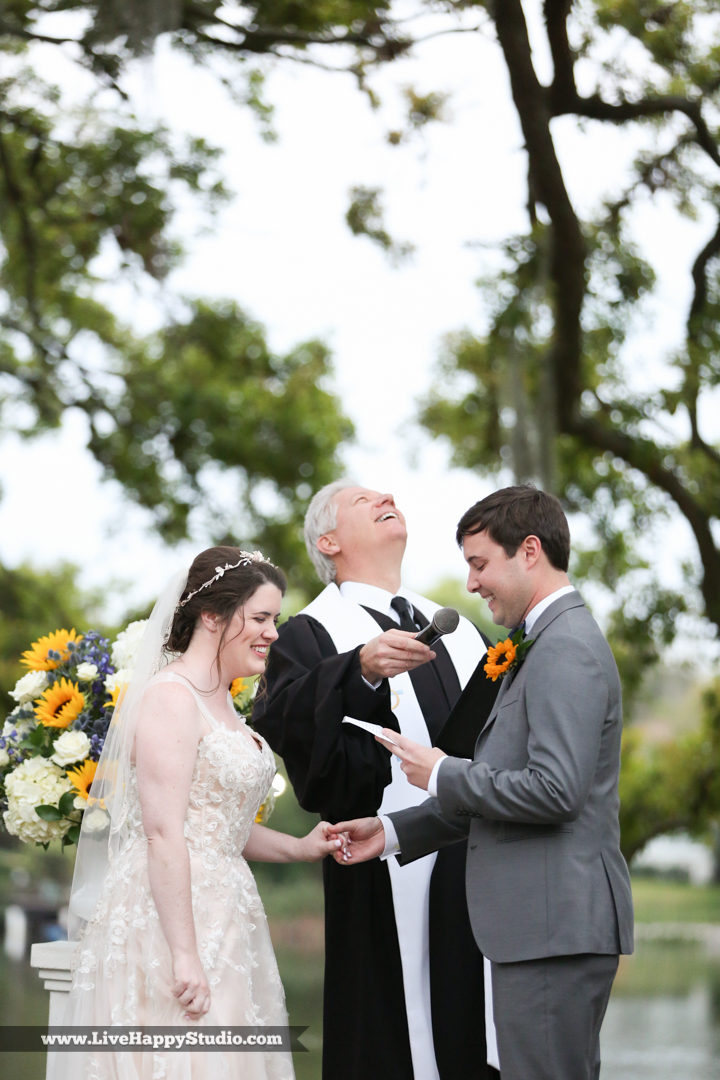 orlando-science-center-wedding-photography-outside-lake-front-ceremony-18.jpg
