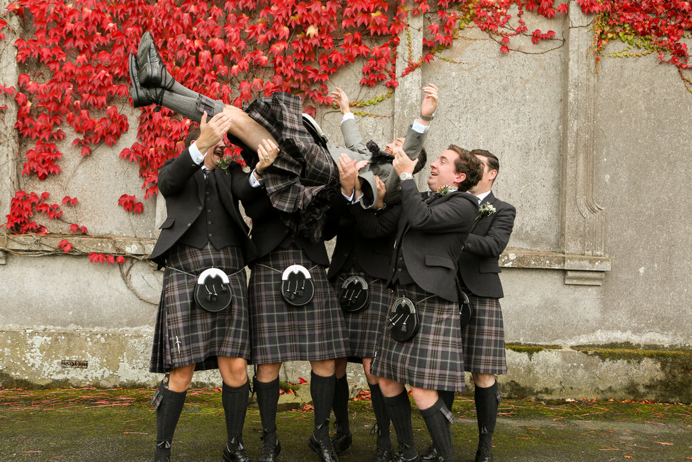 orlando-wedding-photographer-live-happy-studio-destination-photography-kilts-groomsmen.jpg