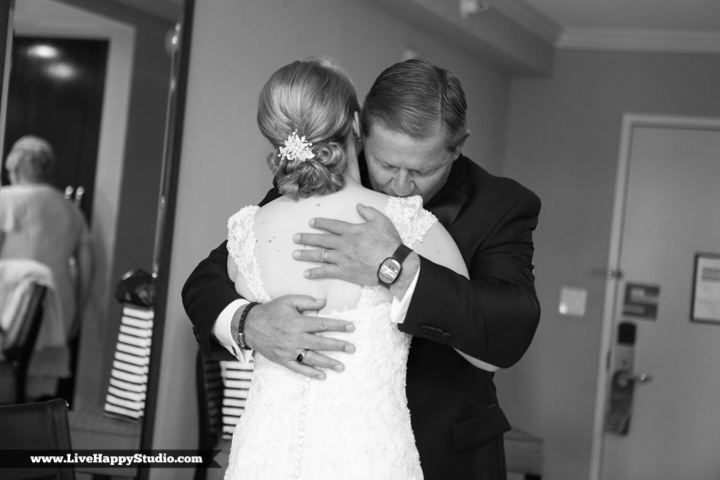 www.livehappystudio.com-orlando-wedding-photography-orlando-science-center-7-father-daughter-first-look.jpg