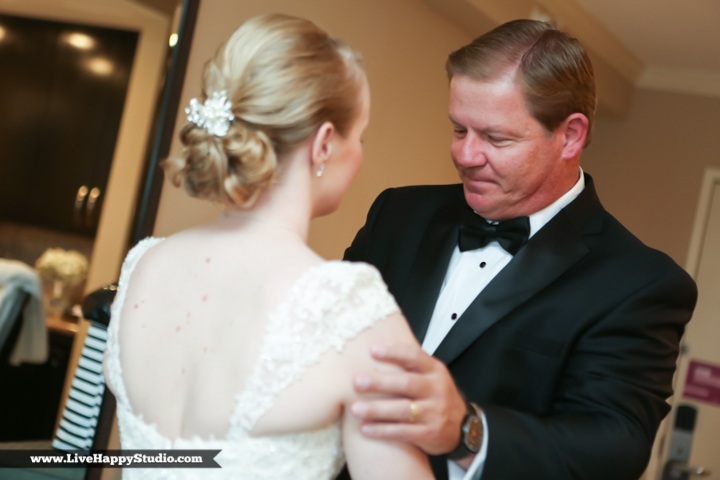 www.livehappystudio.com-orlando-wedding-photography-orlando-science-center-8-dad-moment.jpg