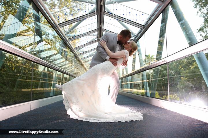 www.livehappystudio.com-orlando-wedding-photography-orlando-science-center-17-dip-kiss-bridge.jpg