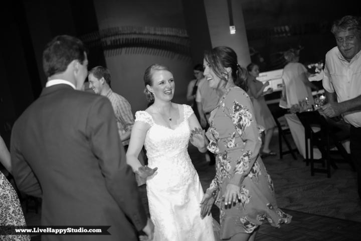 www.livehappystudio.com-orlando-wedding-photography-orlando-science-center-34-silly-fun.jpg
