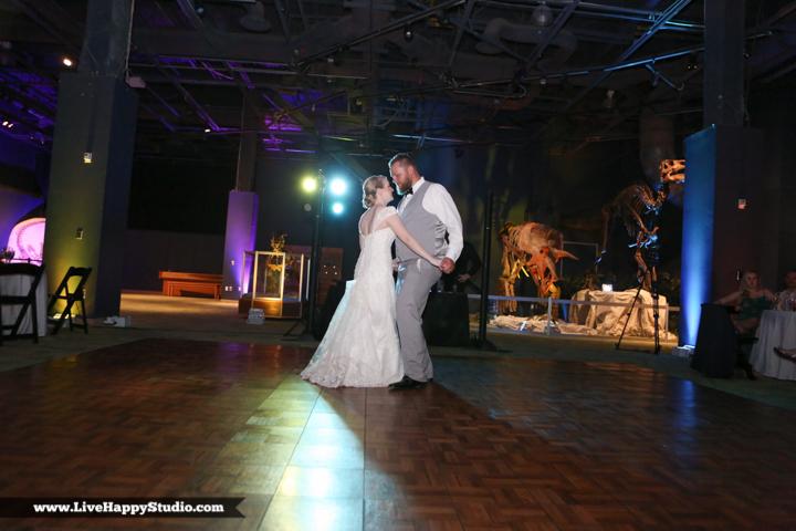 www.livehappystudio.com-orlando-wedding-photography-orlando-science-center-35-private-dance.jpg