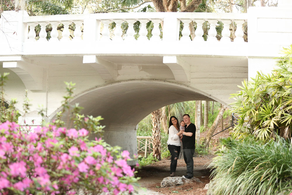 www.livehappystudio.com-family-photographer-orlando-fun-candid-portrait-winter-park-florida.jpg