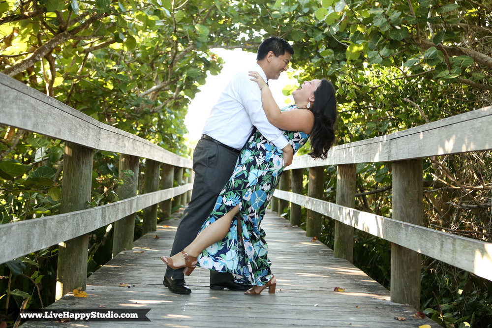 www.livehappystudio.com-engagement-wedding-photographer-orlando-fun-candid-portrait-cocoa-beach-1.jpg