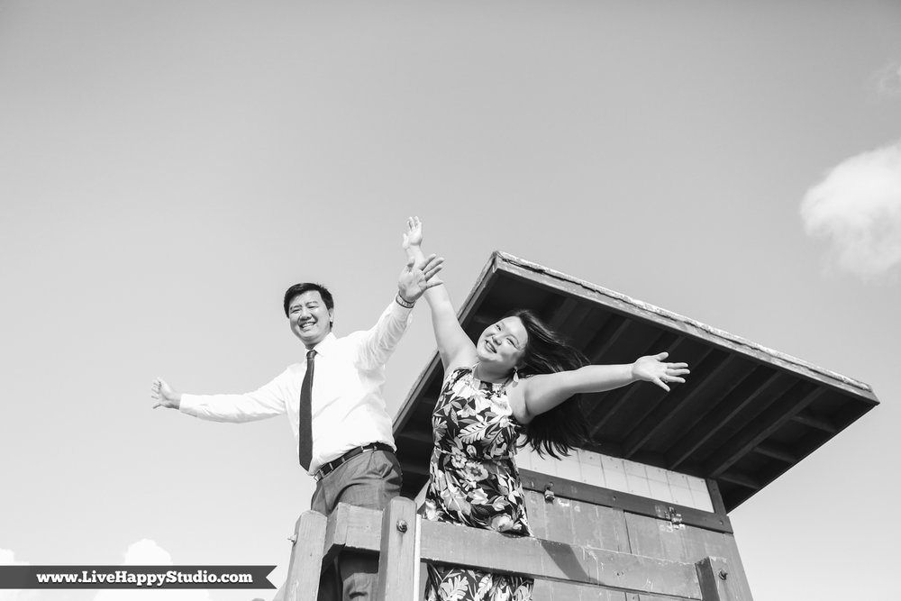 www.livehappystudio.com-engagement-wedding-photographer-orlando-fun-candid-portrait-cocoa-beach-7.jpg