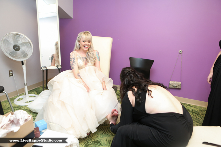 www.livehappystudio-orlando-science-center-wedding-photography-2.jpg
