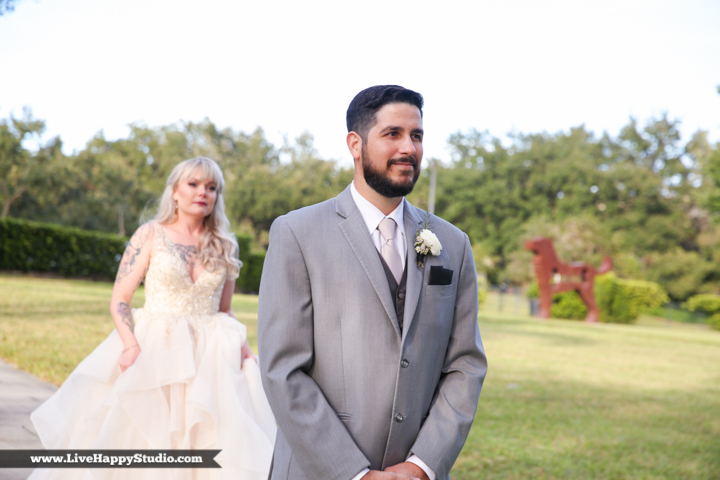 www.livehappystudio-orlando-science-center-wedding-photography-museum-10.jpg