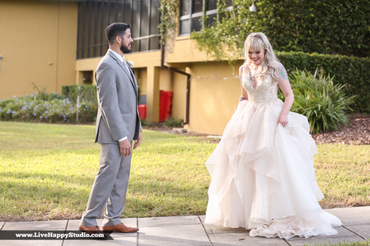 www.livehappystudio-orlando-science-center-wedding-photography-intimate-first-look-12.jpg