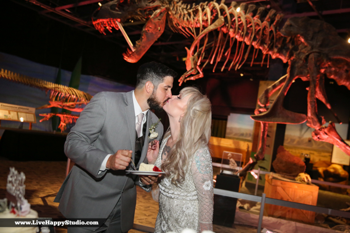 www.livehappystudio-orlando-science-center-wedding-photography-29.jpg