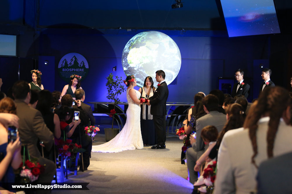 www.livehappystudio.com-orlando-science-center-museum-wedding-photography-photographer-candid-12.jpg
