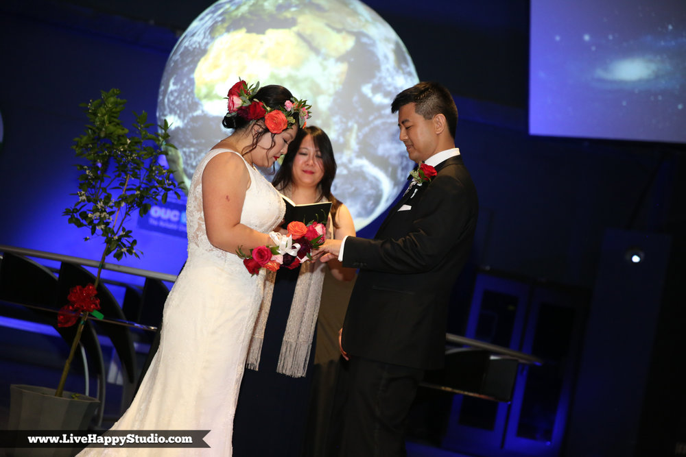 www.livehappystudio.com-orlando-science-center-museum-wedding-photography-photographer-candid-15.jpg