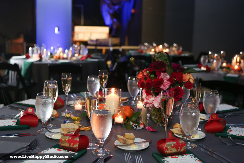 www.livehappystudio.com-orlando-science-center-museum-wedding-photography-photographer-candid-19.jpg