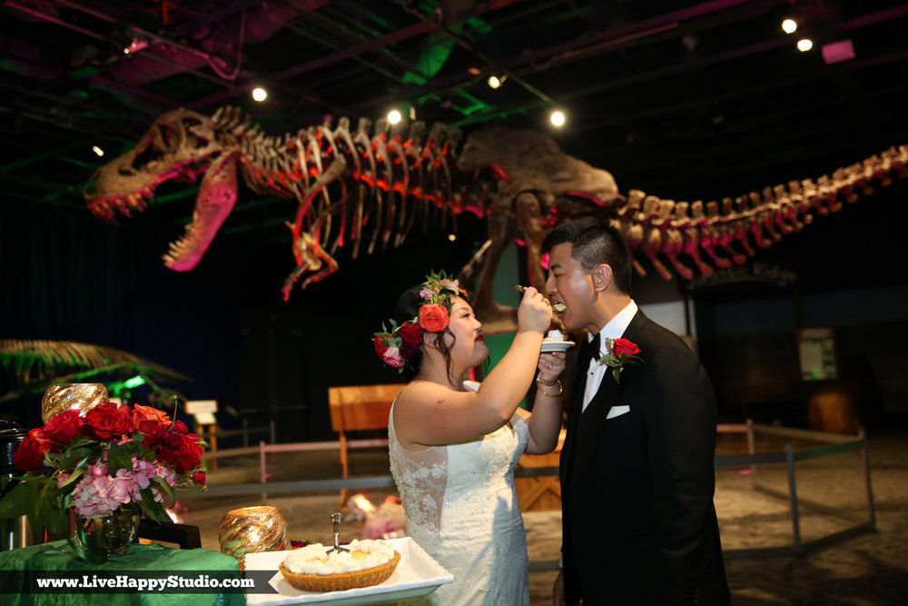 www.livehappystudio.com-orlando-science-center-museum-wedding-photography-photographer-candid-35.jpg