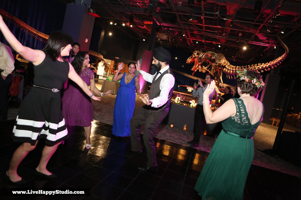 www.livehappystudio.com-orlando-science-center-museum-wedding-photography-photographer-candid-41.jpg