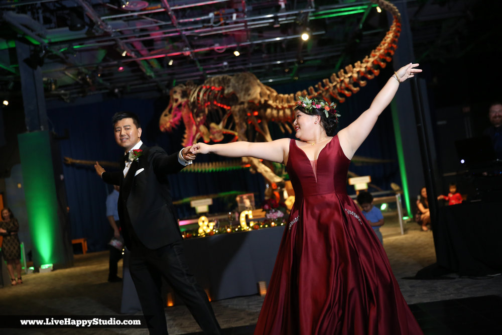 www.livehappystudio.com-orlando-science-center-museum-wedding-photography-photographer-candid-39.jpg