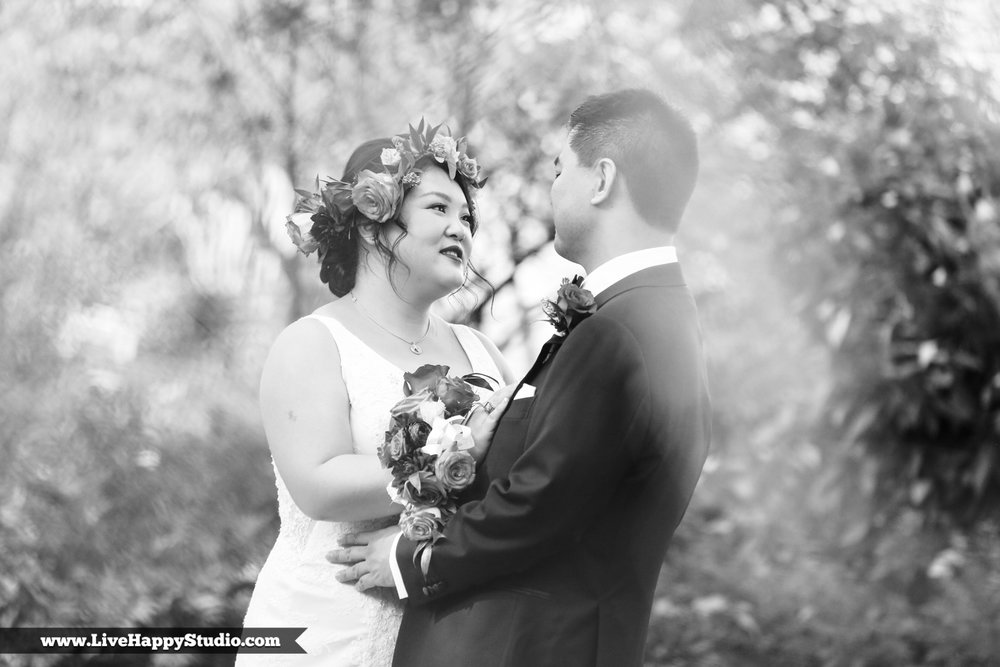 www.livehappystudio.com-orlando-science-center-leu-gardens-museum-wedding-photography-photographer-candid-3.jpg