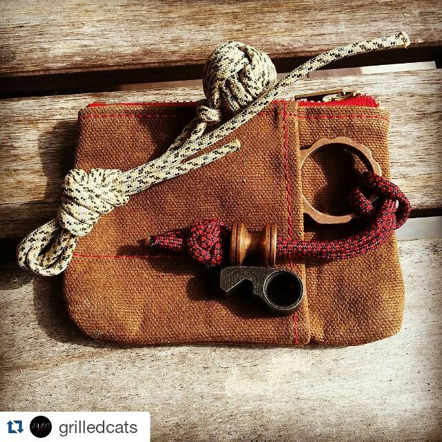 #Repost @grilledcats with @repostapp ・・・ Mail call. My copper GrilledCats bottle opener fits great in a little carrying case by @richworksgear . I also have a new bead from @jw_knives.  #GrilledCats#Growler#BottleCat#BottleOpener#BottleOpeners#multitool#EveryDayCarry#pocketdump#pocketvomit#pockettool#metalart#tool#edcgear#survival#handmade#bartender#beer#cats#cat