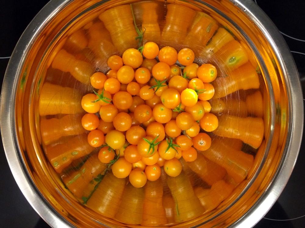 OrangeTomatoes.jpg