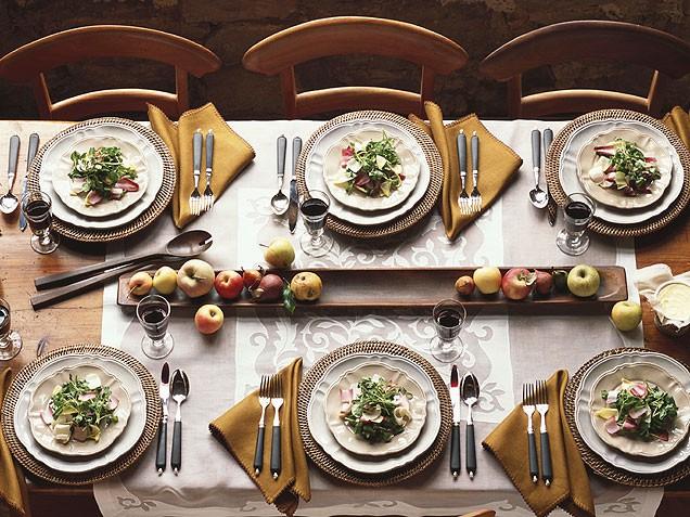 dinner-table-636.jpg