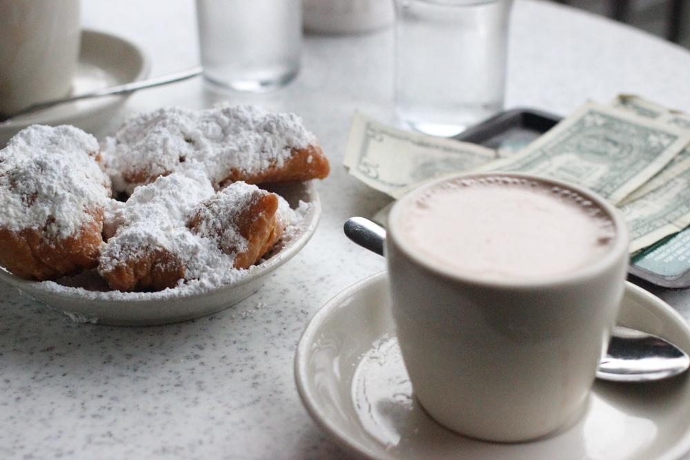 Beignets & hot chocolate