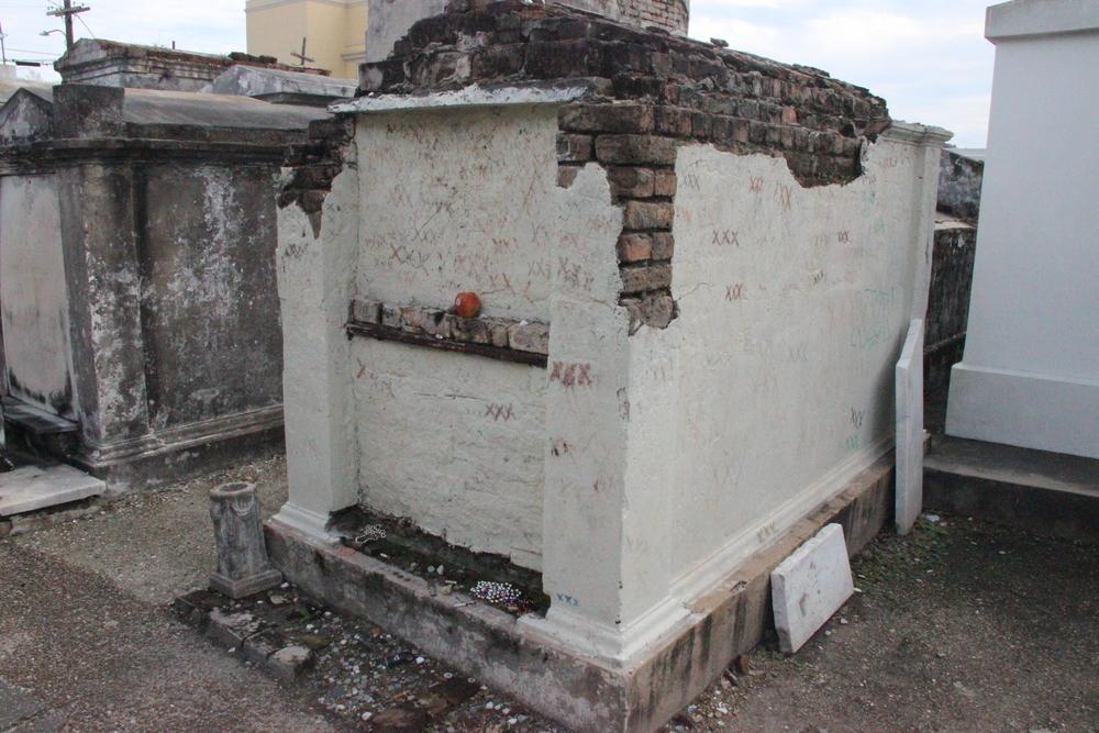 Monsieur Dupre's tomb