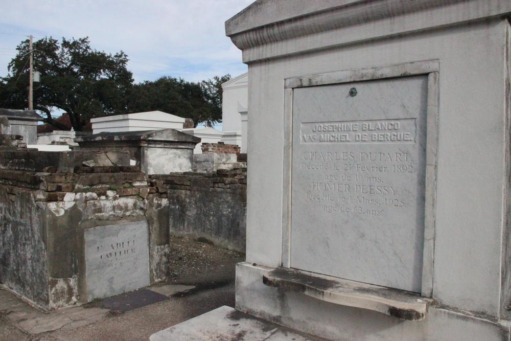 Homer Plessy's tomb