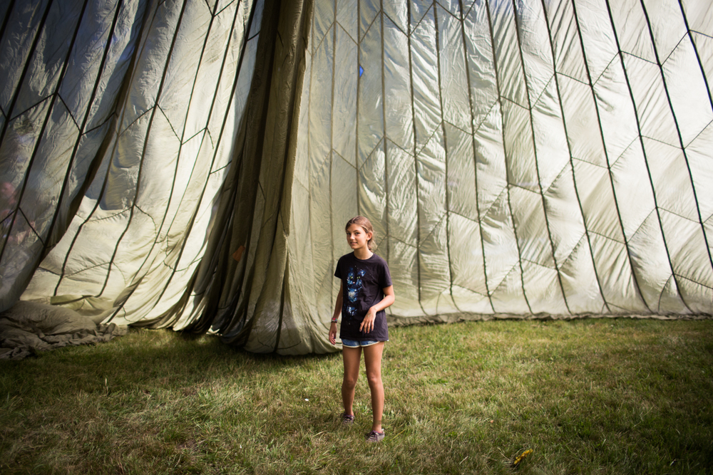 Eva in the parachute