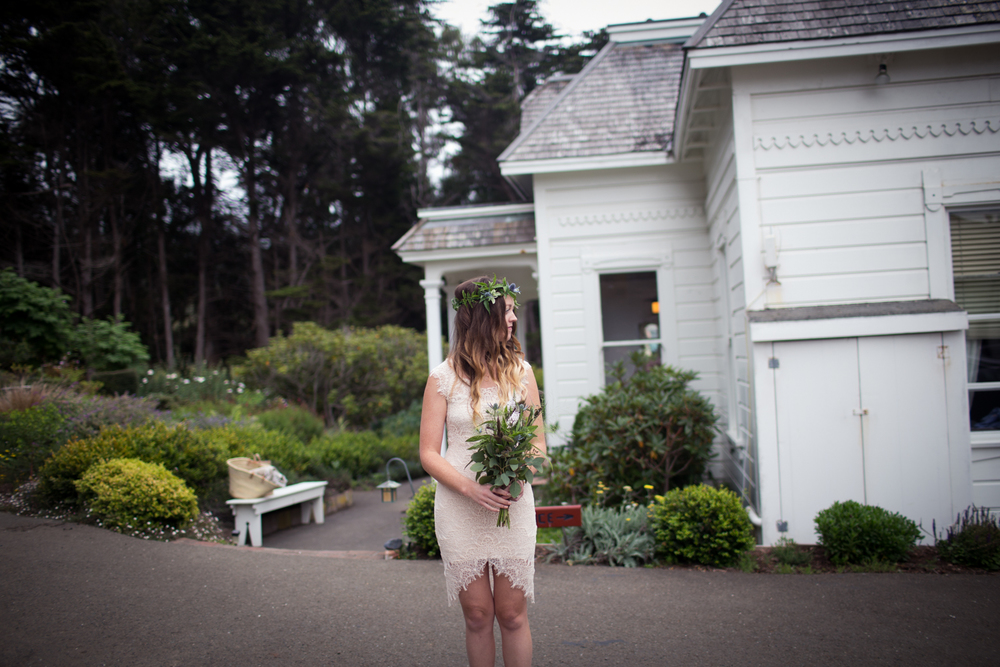 Bridesmaid at the Elk cove inn