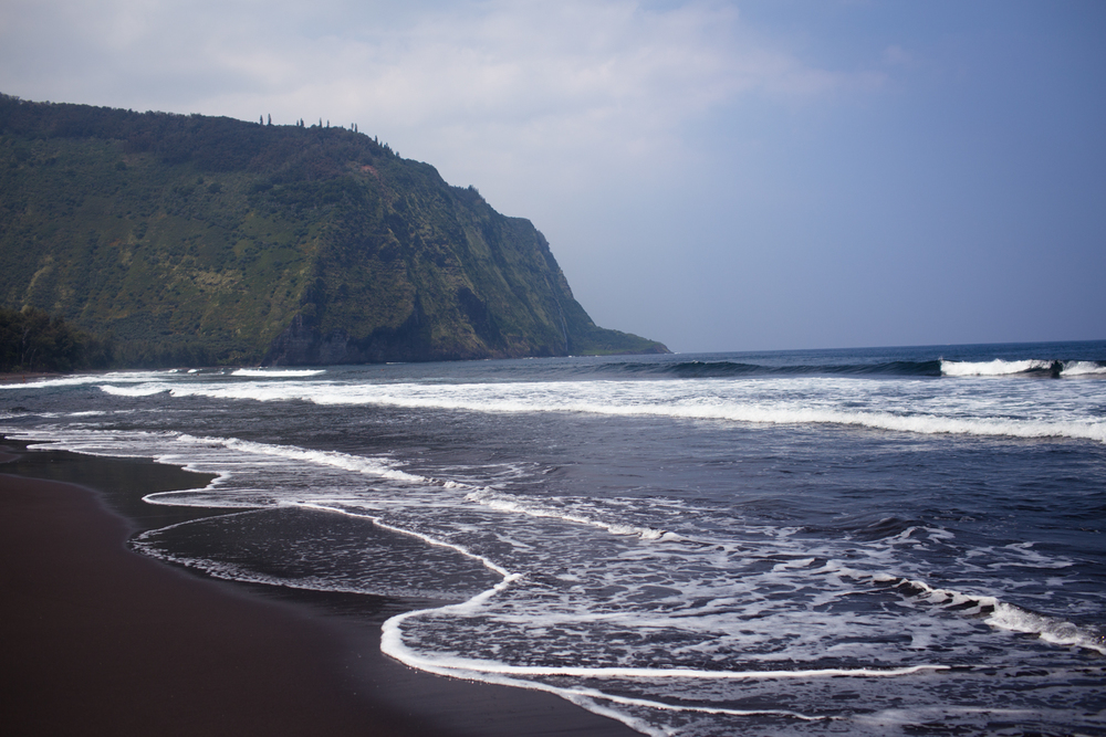 waipio valley waves