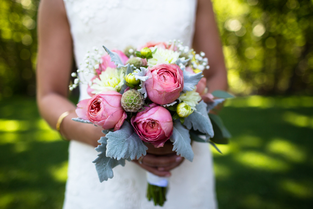 bridal bouquet lake tahoe wedding photographer