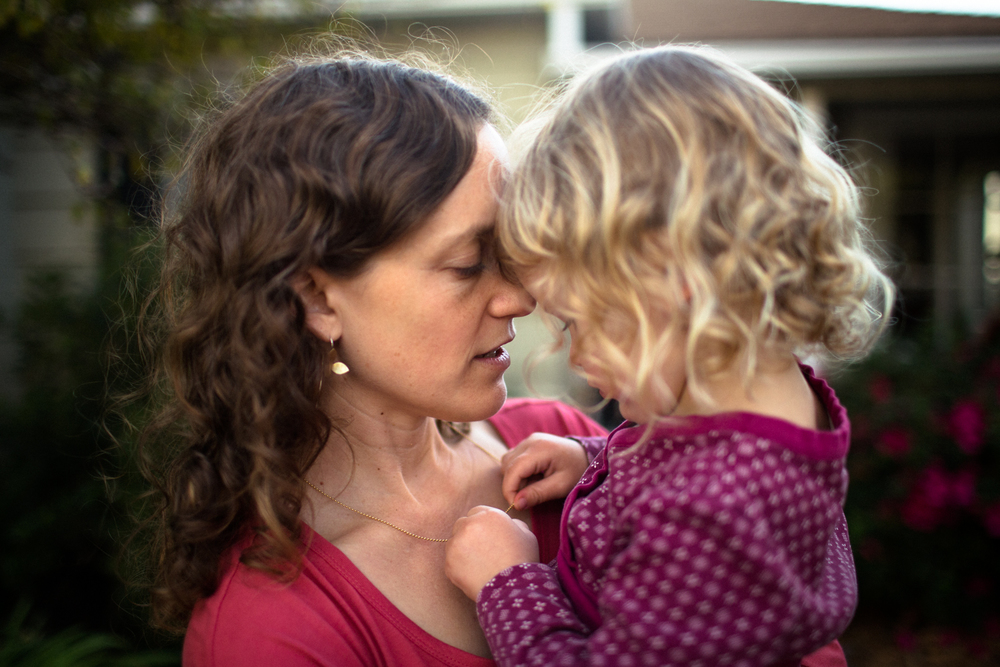 tender mother daughter moment grass valley nevada city photographer