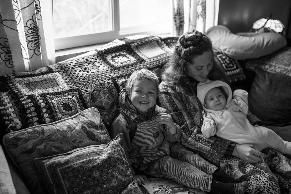 natural light family portrait photography documentary lifestyle photographer nevada city grass valley