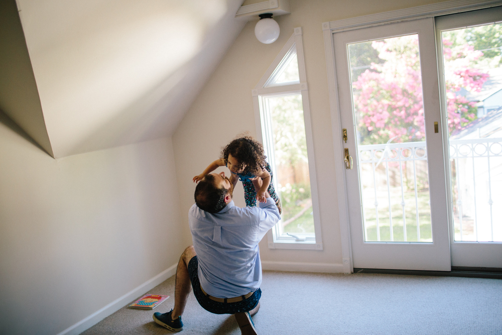 sacramento child photographer natural light lifestyle documentary