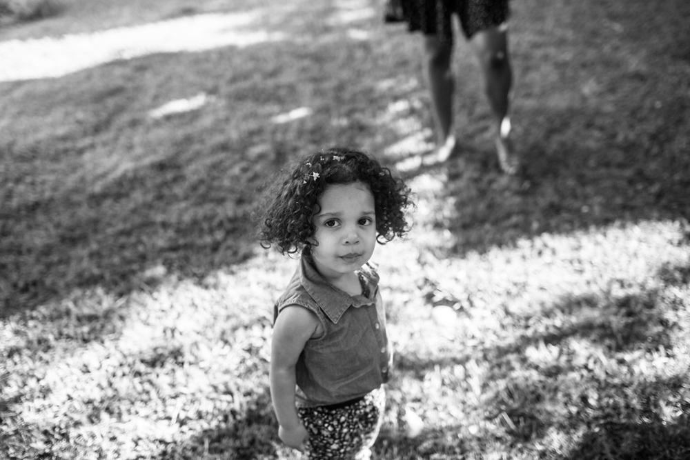 sacramento child portrait photographer natural light lifestyle documentary