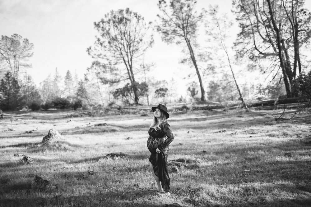 auburn-grass-valley-maternity-photographer-2.jpg