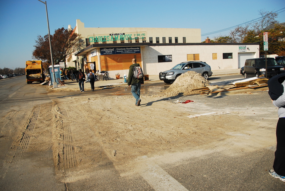 W. Park Ave & Laurelton Blvd, Post-Sandy clean-up