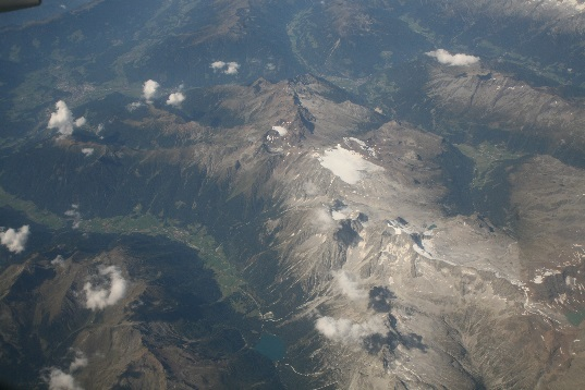 Flight between Oslo and Rome, thinking it's the Austrian Alps.