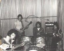 The-Baker-Street-Regulars-rehearsing-in-our-palatial-mini-storagerehearsal-room.-Chris-Bell-me-on-guitar-Jody-Stephens-and-Van-Duren.-Memphis-220x178.jpg