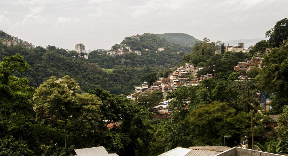 favella_hill.jpg