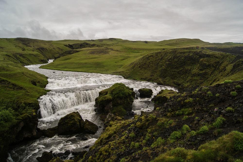 waterfallyes.jpg